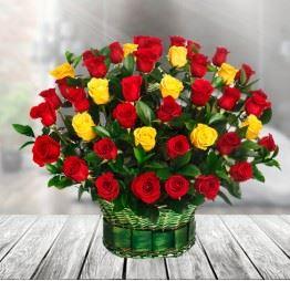 Kosz 50 Czerwonych i Żółtych Róż